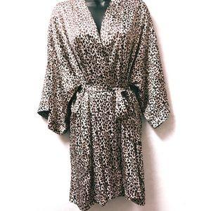 Victoria Secret Robe Leopard Print M/L